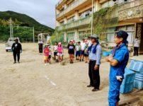 菅島小学校グラウンド環境整備作業の様子