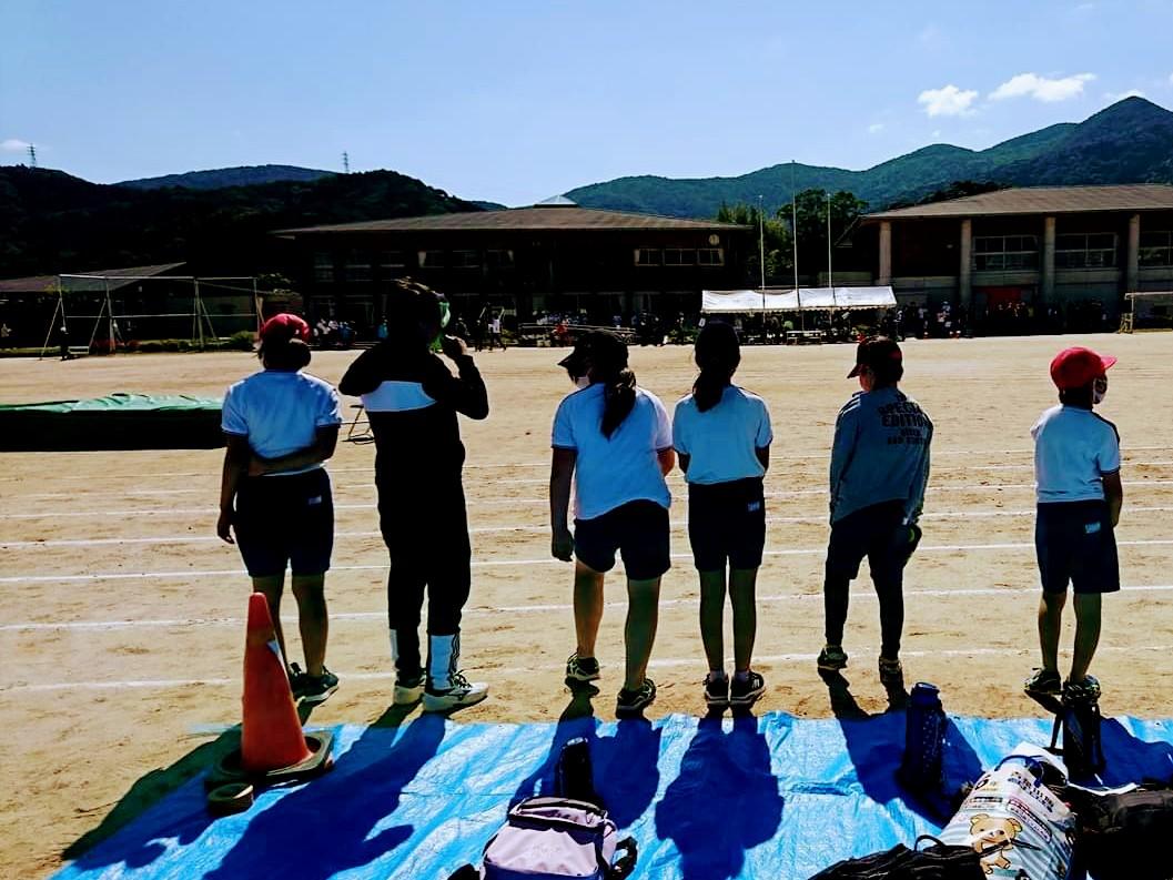 鳥羽市陸上記録会に参加した菅島小学校の児童